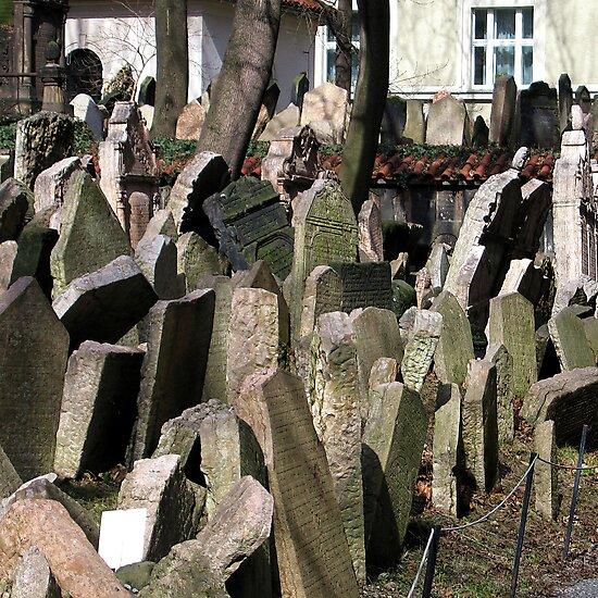 Old Jewish Cemetery (Prague) by Gili Orr