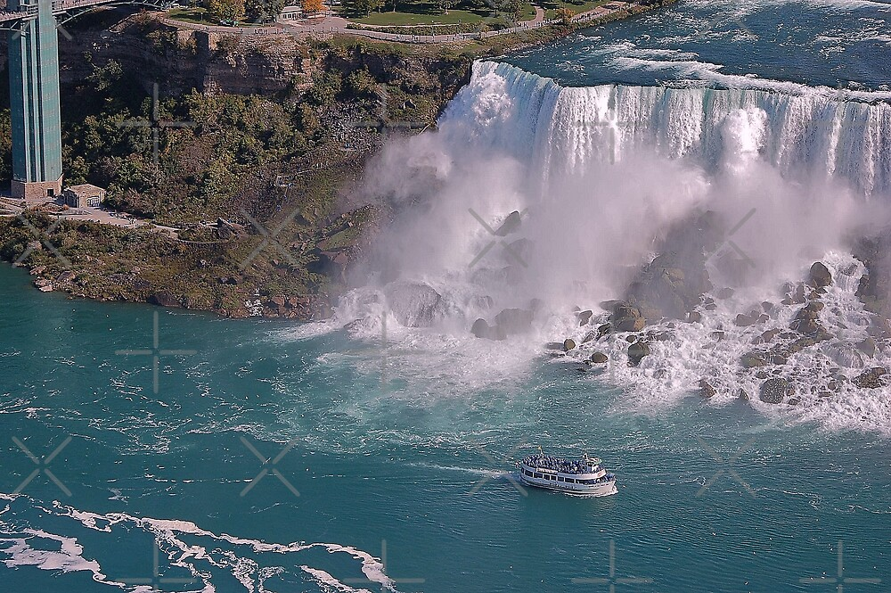 A ship in Niagara Falls State Park by loiteke