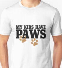 Meine Kinder haben Pfoten Slim Fit T-Shirt