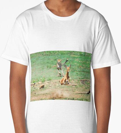 A DAY IN THE LIFE OF A CHEETA - CAPTURE SIX - CHEETAH – Acinonyx jabatus – Die Jagluiperd Long T-Shirt