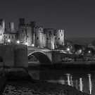 Conwy castle at night by alan tunnicliffe