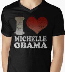 I love Michelle Obama 08 t shirt Men's V-Neck T-Shirt