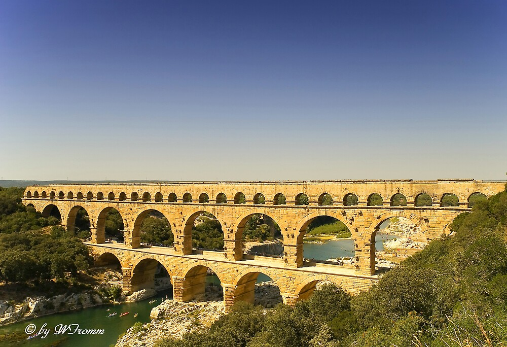 Pont du Gard (France) by WFromm