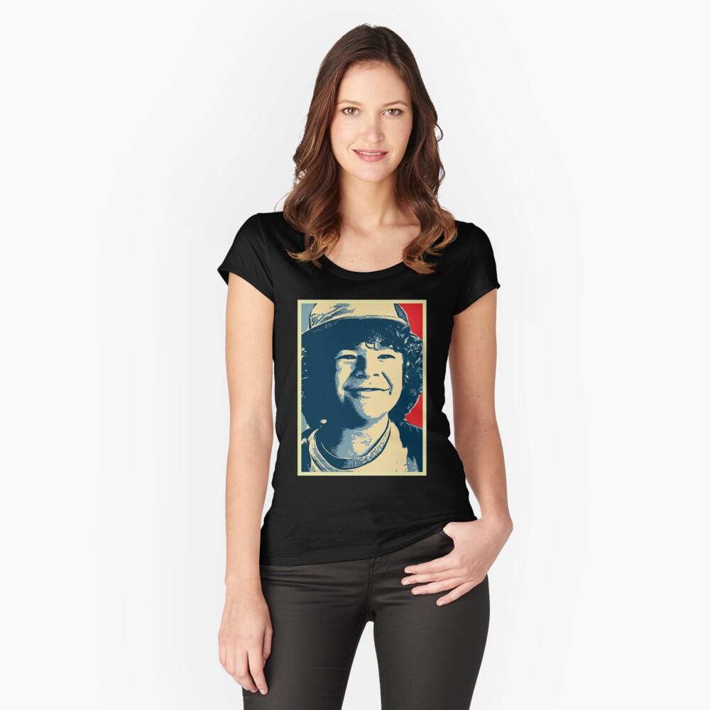 dustin Camiseta entallada de cuello ancho