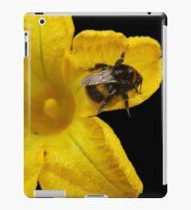 Bumble Bee on Yellow Flower iPad Case/Skin