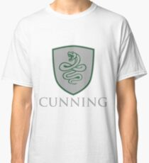 CUNNING Classic T-Shirt
