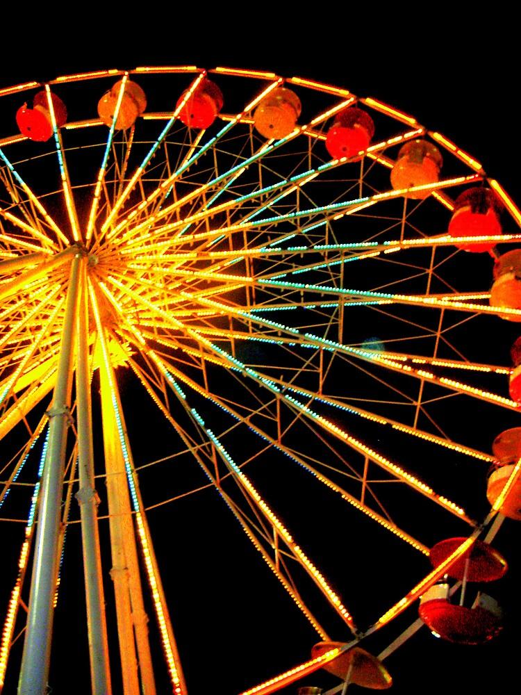 Ferris Wheel Dreams by yasmiona