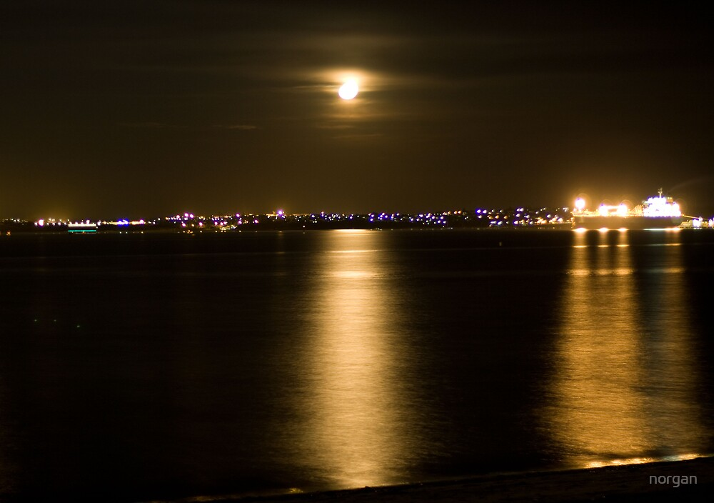 Moonscape by norgan
