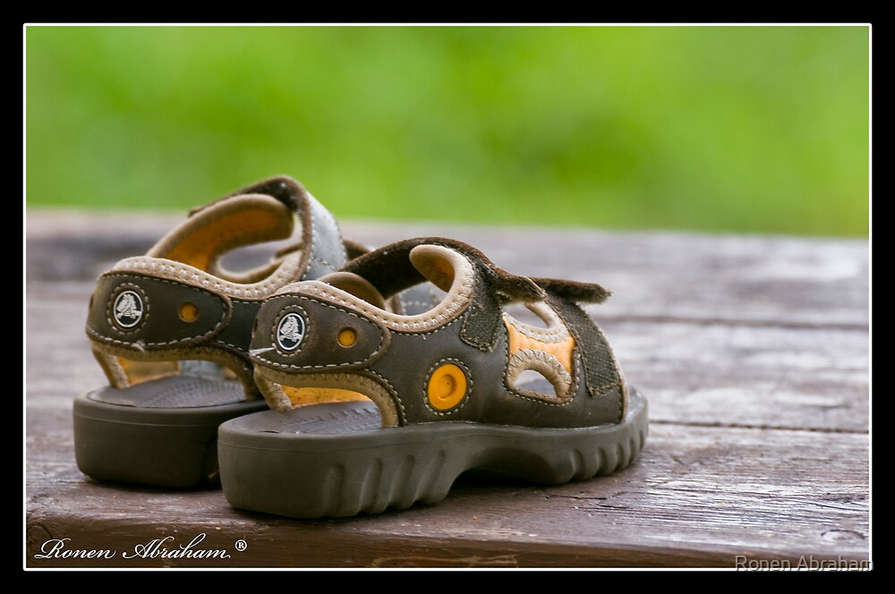 Where is my shoes by Ronen Abraham