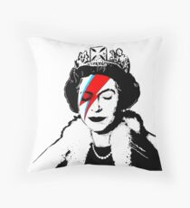 "Banksy - ""space queen"" Throw Pillow"