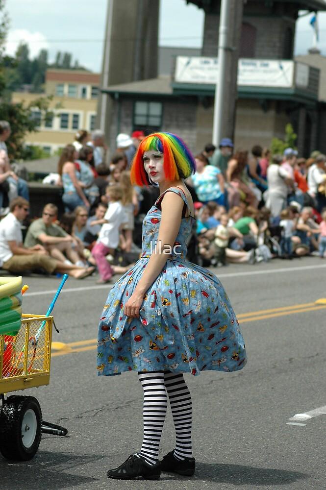 A clown by lilac