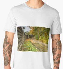 Monastery fence in autumn Men's Premium T-Shirt