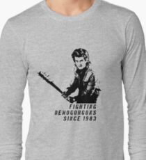 Steve Fighting (Stranger Things) Long Sleeve T-Shirt