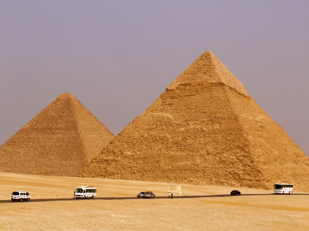 the great pyramids of giza EYGPT by annonymouse
