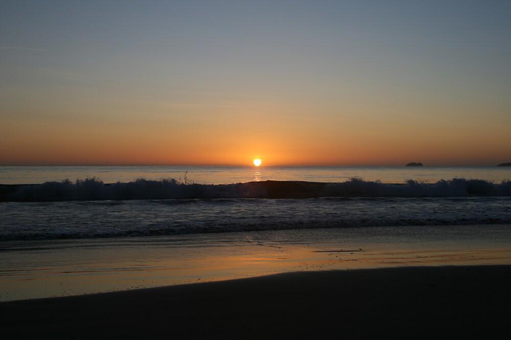 Marion sun rise. by Damian Bourke