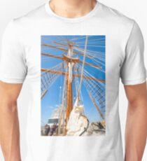 Navio Escola Infante de Sagres. mastro. mast T-Shirt