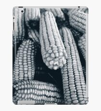 maize black and white iPad-Hülle & Skin