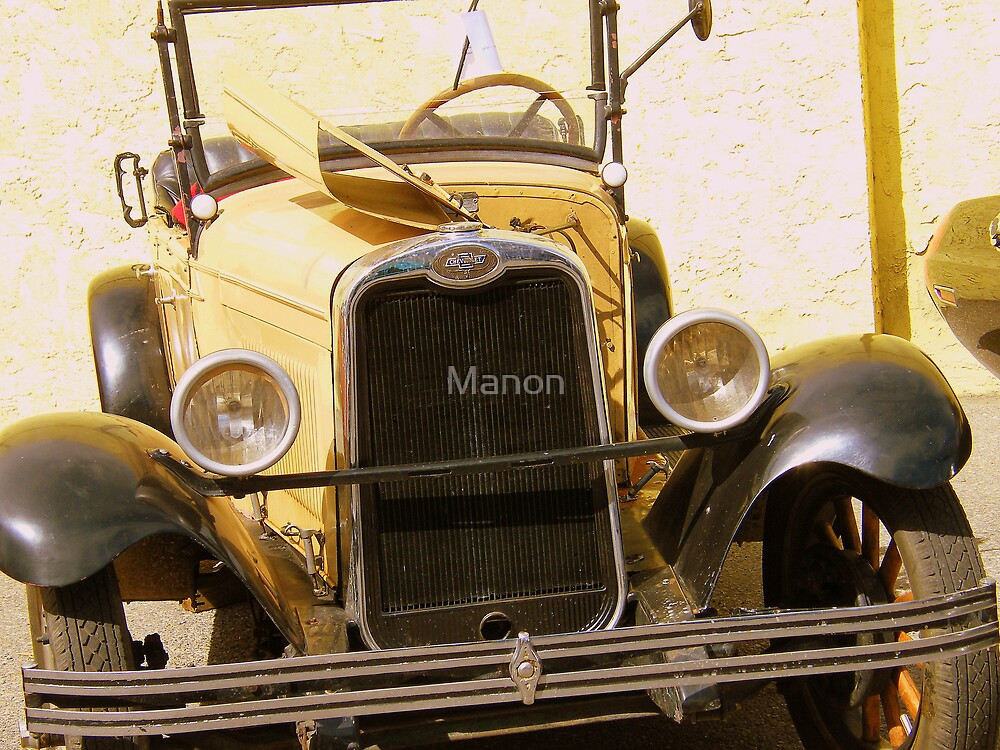 Old car by Manon