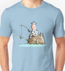 Cow fishes a milk box - Fishing - Gift - Fish - Cartoon T-Shirt