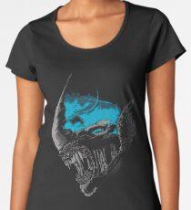 On A Dark Moon. Women's Premium T-Shirt