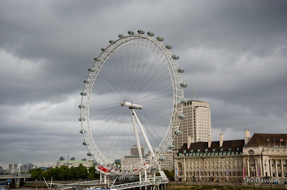 Grey Day: London Eye by DonDavisUK