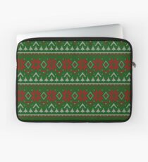 Knitted Christmas pattern red green Laptop Sleeve