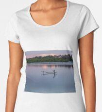 Mannum  Women's Premium T-Shirt