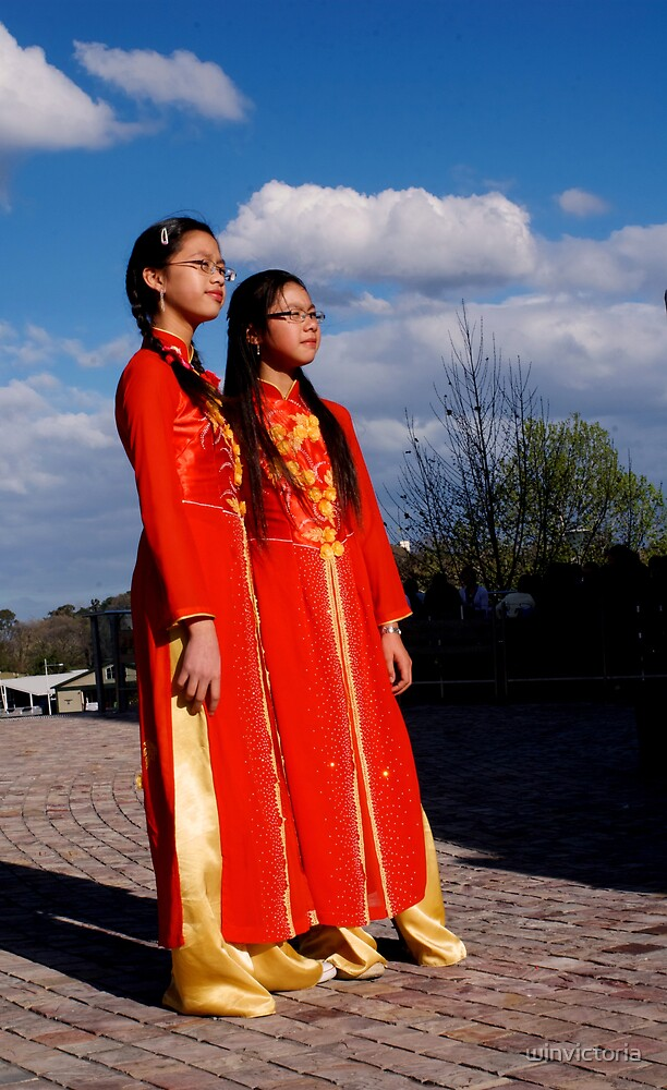 two girl with Vietnamese costume by winvictoria