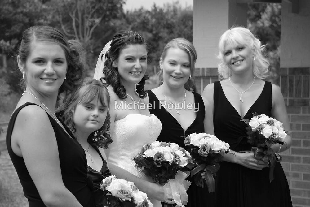 Alicia & Bridesmaids by KeepsakesPhotography Michael Rowley