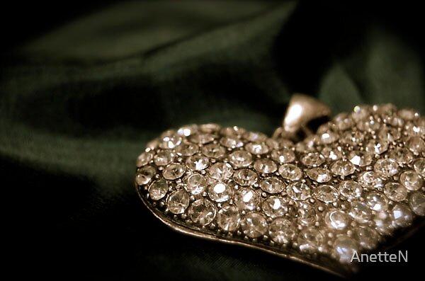 Heart. by AnetteN