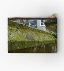 Walled Studio Pouch