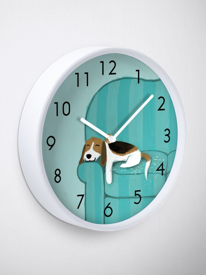Alternate view of Happy Couch Dog | Cute Beagle Clock