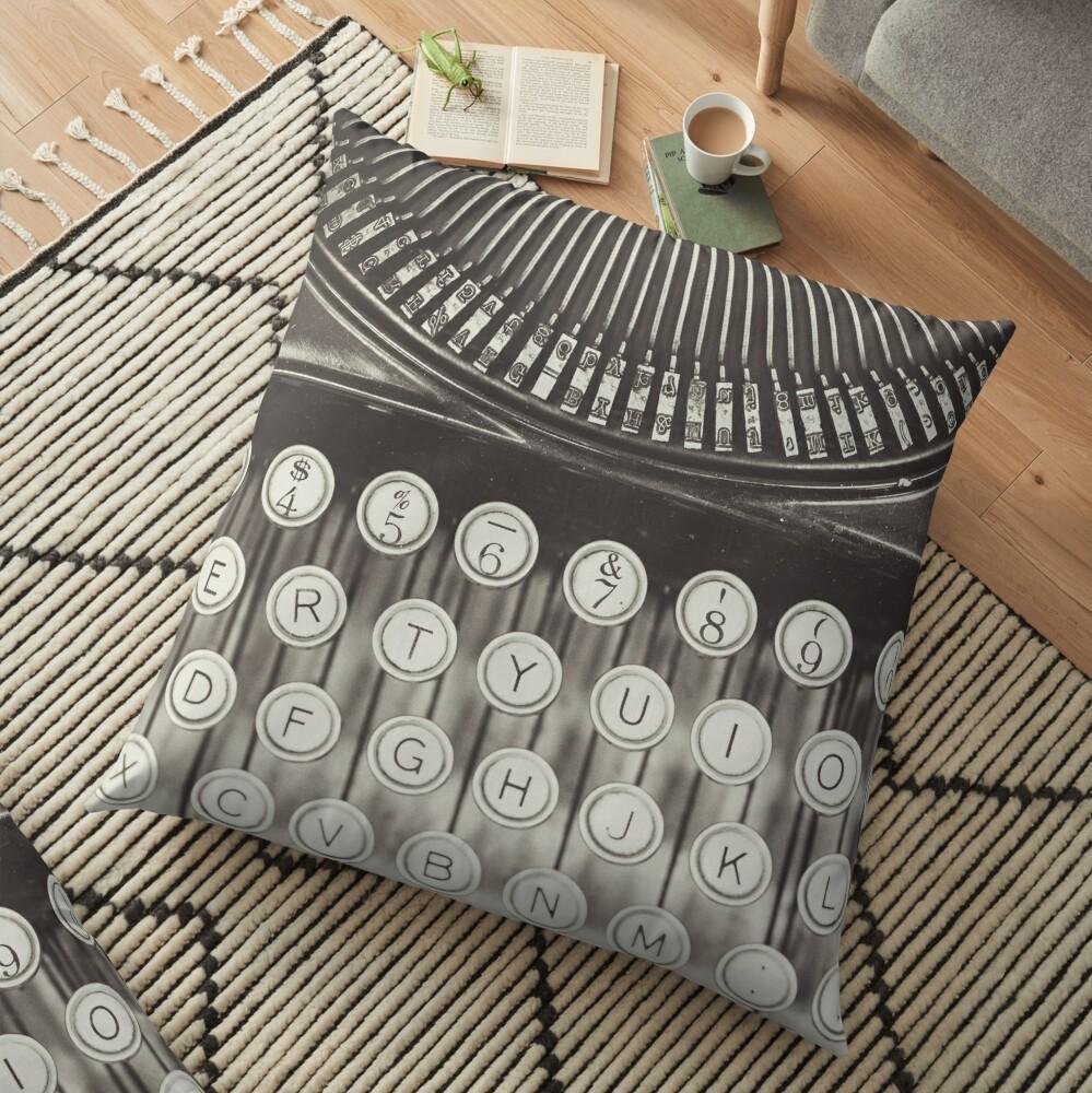 Vintage Schreibmaschinenstudie Bodenkissen