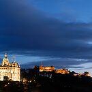 Dusk in Edinburgh by tayforth