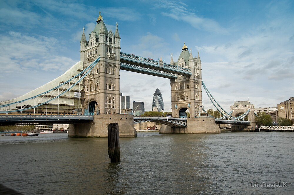 Tower Bridge: London by DonDavisUK