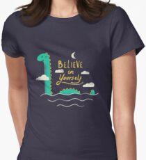Glaub an dich Tailliertes T-Shirt für Frauen
