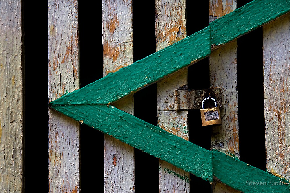 Locked by Steven  Siow