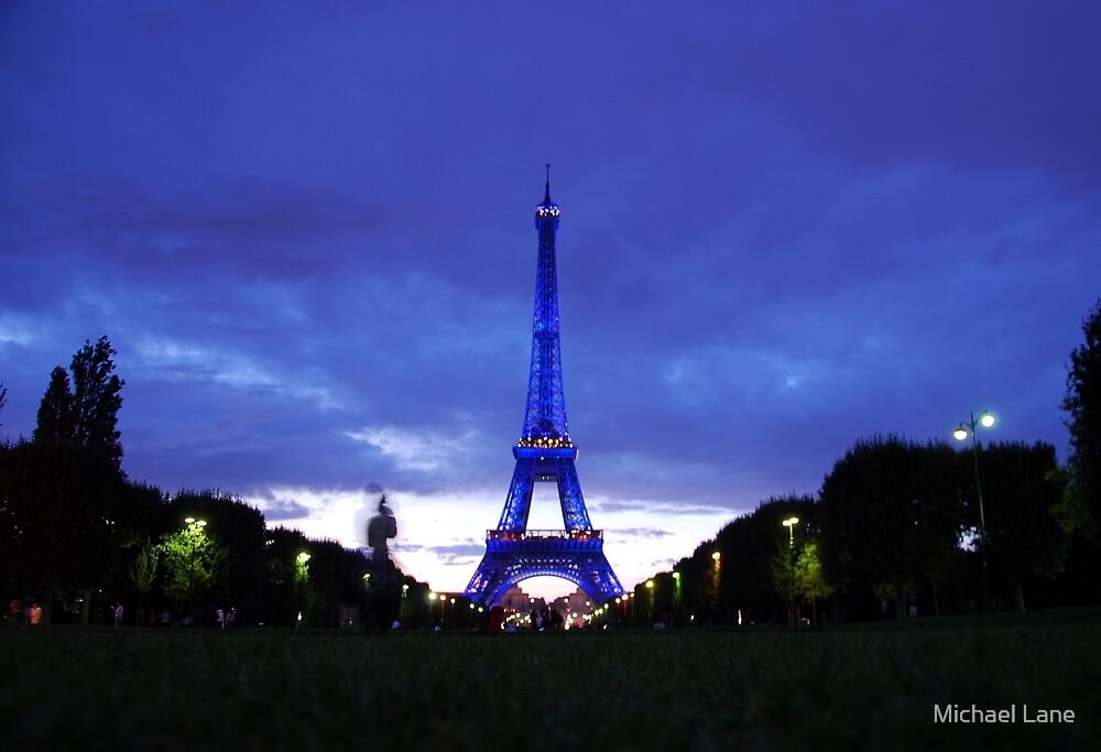 Eiffel en bleu by Michael Lane