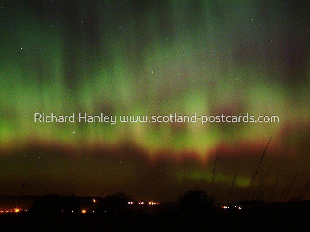 Northern Lights 5 by Richard Hanley www.scotland-postcards.com