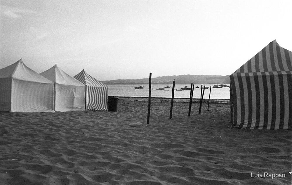 Praia by Luis Raposo