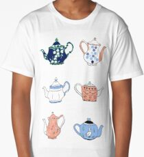 Vintage teapots in blue and pink Long T-Shirt