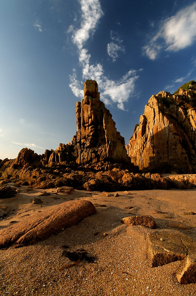 Woolami Pinnacles by Robert Mullner