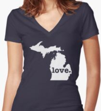 Michigan Love Women's Fitted V-Neck T-Shirt