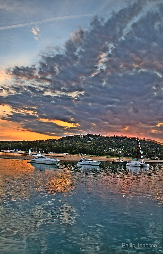 Reflections - Newport - The HDR Series by Philip Johnson