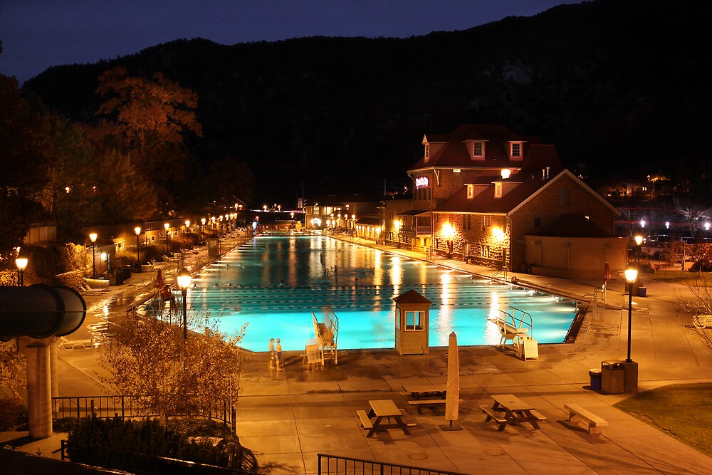 Glenwood Springs Pool by Steve  Taylor