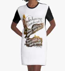 Under hans vinger Graphic T-Shirt Dress