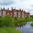 Helmingham Hall by Margaret  Hyde