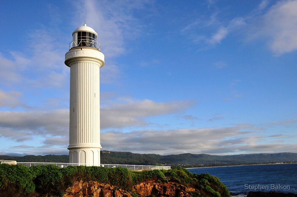 Wollongong Lighthouse early morning by Stephen Balson