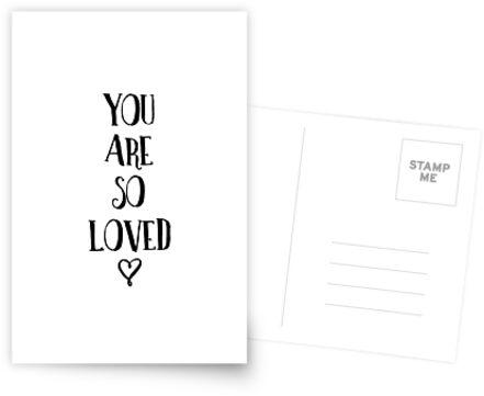 Du bist so geliebt Typografie Zitat von blueskywhimsy