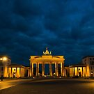 Brandenbergr Tor, A Berlin Icon by Cliff Williams
